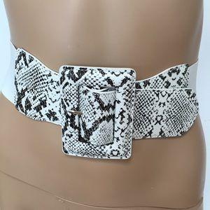 80s Style Snakeskin White Black Belt S M NWOT